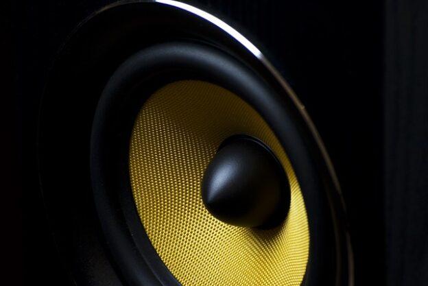 Co wpływa na jakość dźwięku w domu